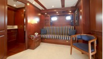 Yacht WOLF TWO -  Owner Cabin Sofa